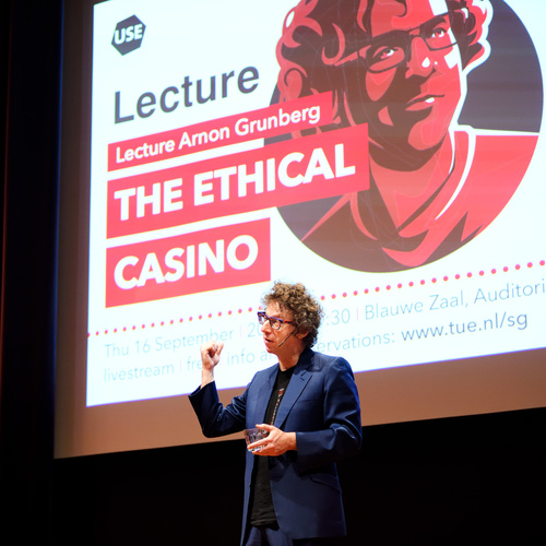 Lecture Arnon Grunberg: The Ethical Casino | foto's